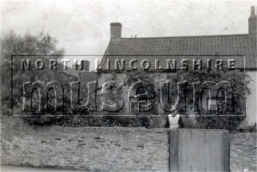 Cottages at 45 and 47 Old Brumby Street, Scunthorpe on 23 July 1932