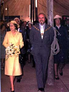 Scene during the official opening of the Humber Bridge on 17 July 1981. H.M. Elizabeth II with the Reverend Peter B. Hearn amd Mrs Ann Hearn
